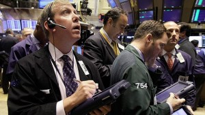 Oil prices, global stocks fall; gold rises